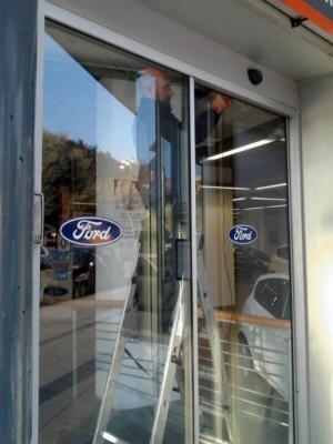 reparacion de puertas de vidrio en caracas mantenimiento