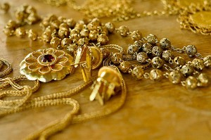compro joyas de oro y pagamos bien llamenos 04149085101con whatsapp