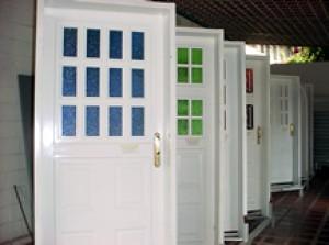 puertas de hierro entamboradas rellenas con poliuretano