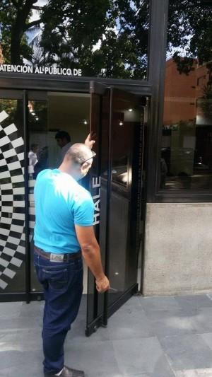 reparacion y mantenimiento para puertas de vidrio caracas