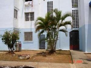 rent-a-house hsorondo, vende apartamento en acarigua portuguesa cd. 10-3398