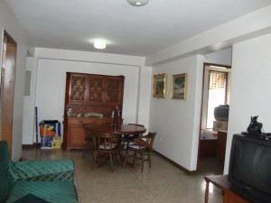 vendo bello apartamento res. imperial.