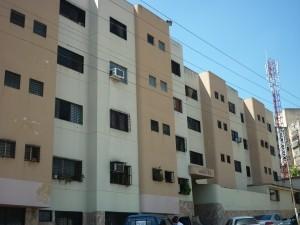dh vende  apartamento en los colorados codflex 11-1359